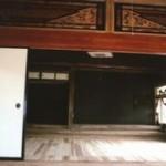 二間続きの和室から床の間方向(内装)